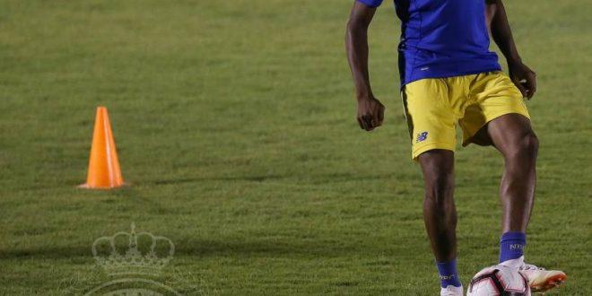 احمد موسى في تدريبات نادي النصر